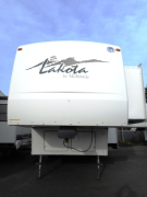 Used 2002 Mckenzie Towables Lakota 28RKD Fifth Wheel For Sale