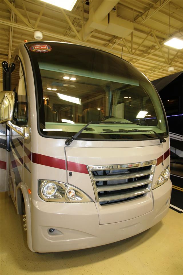 2015 Class A - Gas Thor Motor Coach AXIS