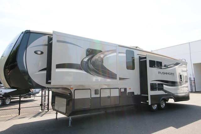 Used 2014 CROSSROADS RV Rushmore RF39WA Fifth Wheel For Sale