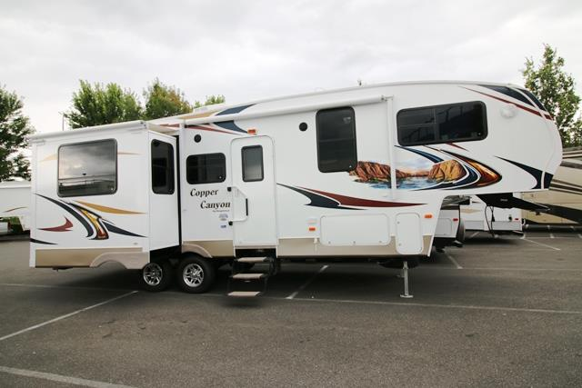 Used 2012 Keystone Copper Canyon 273FWRET Fifth Wheel For Sale