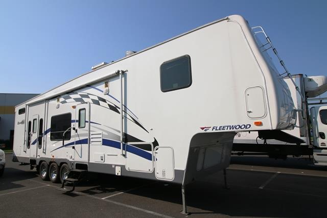 2006 Fifth Wheel Toy Hauler Fleetwood GearBox
