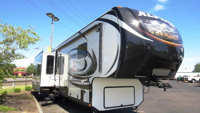 2015 Fifth Wheel Keystone Alpine
