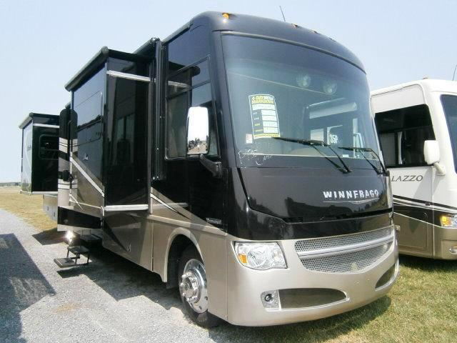 Buy a New Winnebago Adventurer in Hillsboro, OR.