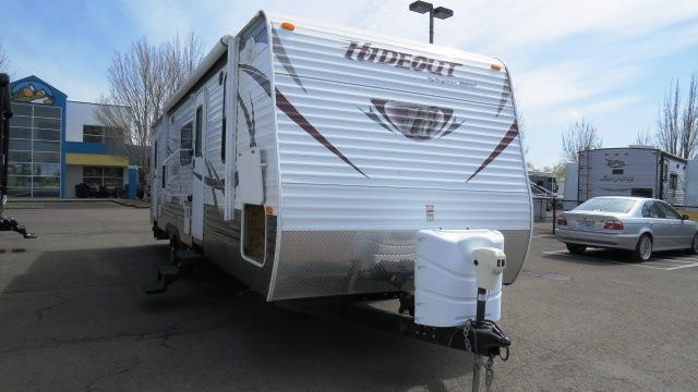 Used 2013 Keystone Hideout 28BHSWE Travel Trailer For Sale