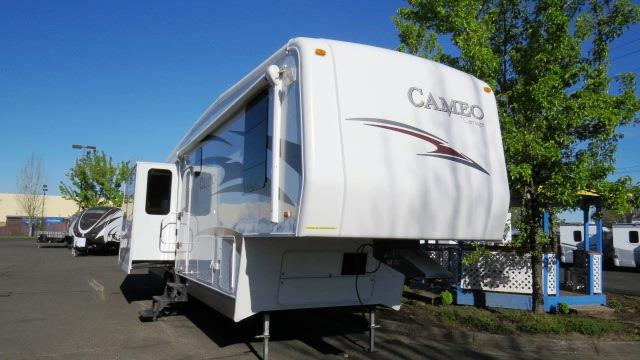 Used 2009 Carriage Cameo 355B3 Fifth Wheel For Sale