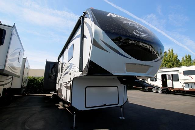 New 2016 Keystone Avalanche 331RE Fifth Wheel For Sale