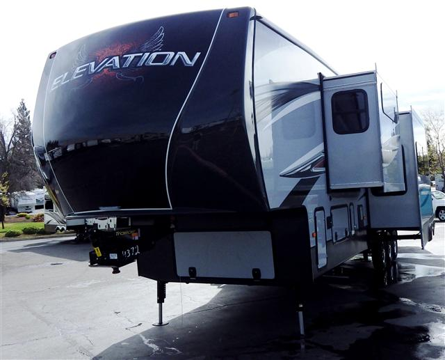 2014 Fifth Wheel Toy Hauler Crossroads ELEVATION