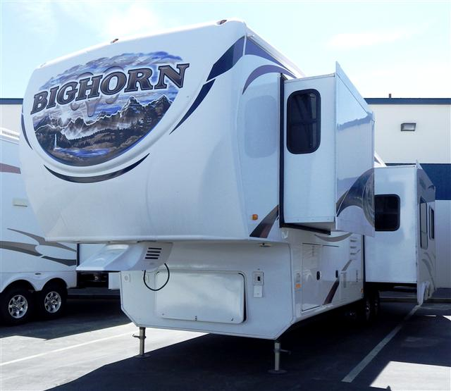 2011 Fifth Wheel Heartland Bighorn