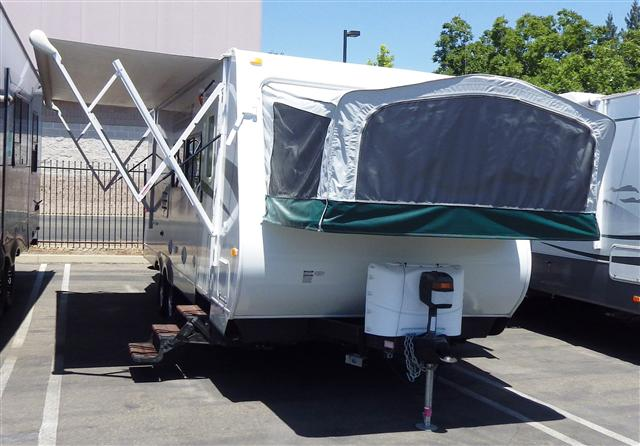 Buy a Used Starcraft Travel Star in Roseville, CA.