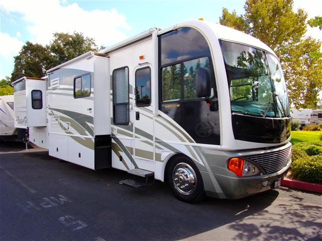 2004 Fleetwood Pace Arrow