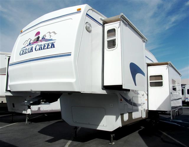 Used 2004 Forest River Cedar Creek 30RLBS Fifth Wheel For Sale