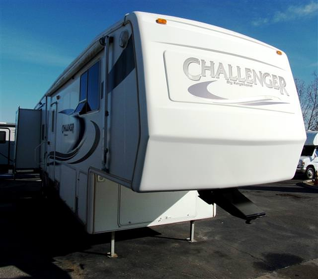 Used 2005 Keystone Challenger 34TLB Fifth Wheel For Sale
