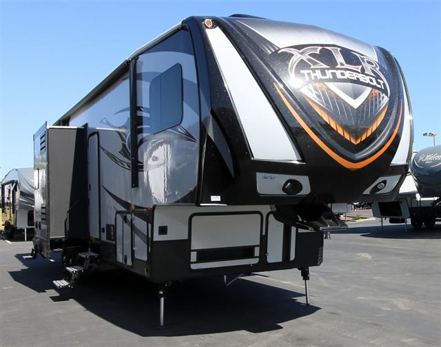 2016 Fifth Wheel Toy Hauler Forest River XLR THUNDERBOLT