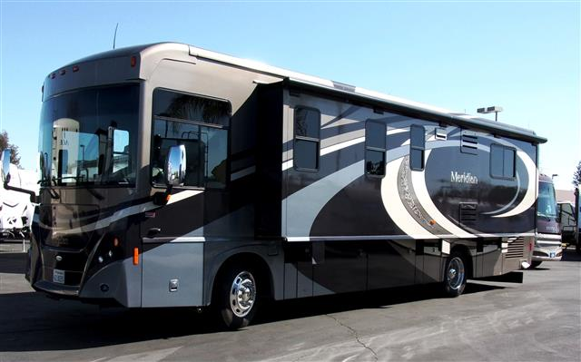 Used 2009 Itasca Meridian 34Y Class A - Diesel For Sale
