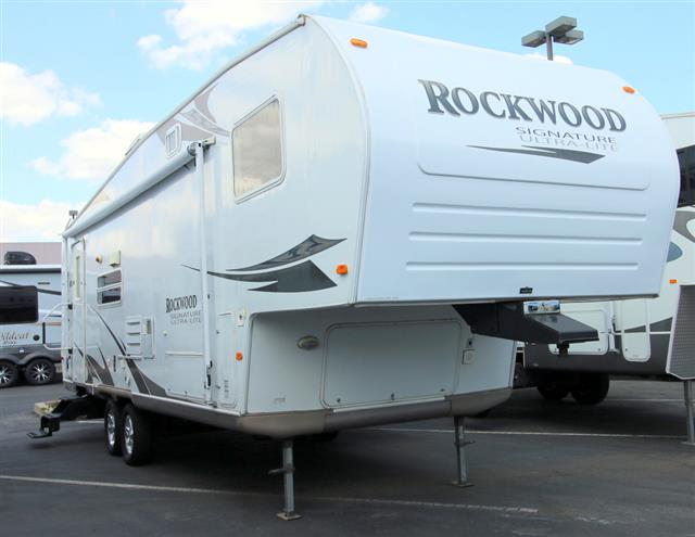 Used 2008 Forest River Rockwood 8283SS Fifth Wheel For Sale