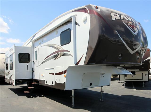 Used 2013 Winnebago Raven 3300CK Fifth Wheel For Sale