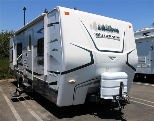 Used 2009 Fleetwood Wilderness 26BHS Travel Trailer For Sale