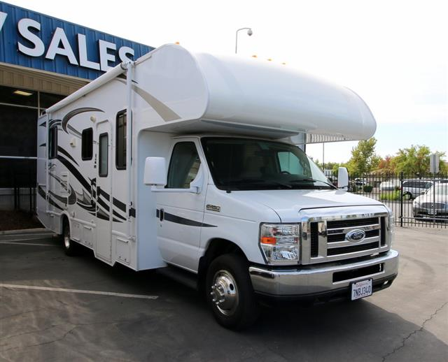 Used 2013 Thor Freedom Elite 26T Class C For Sale