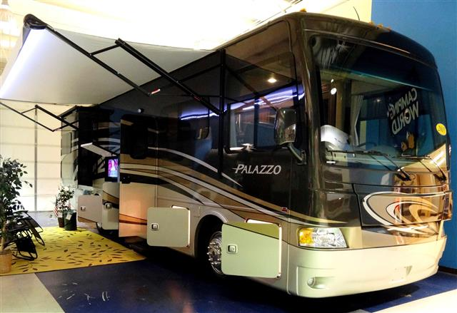 New 2015 THOR MOTOR COACH PALAZZO 33.3 Class A - Diesel For Sale