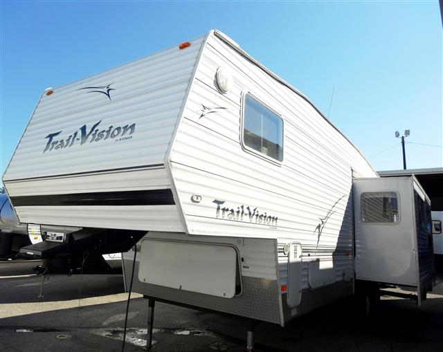 Used 2004 R-Vision Trail Vision 3529BH Fifth Wheel For Sale