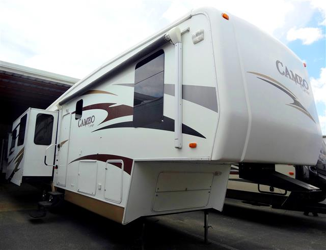 Used 2008 Carriage Carriage 37RE3 Fifth Wheel For Sale