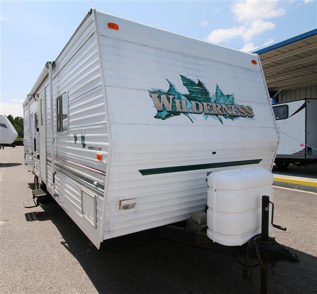 Used 2001 Fleetwood Wilderness 28X Travel Trailer For Sale