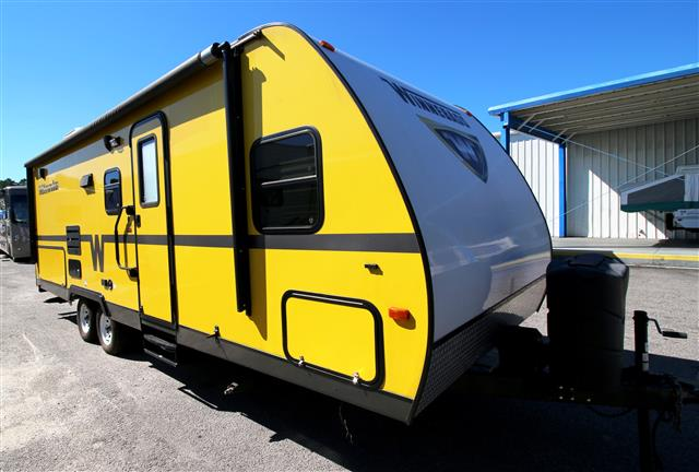 Used 2013 Winnebago Minnie 2201DS Travel Trailer For Sale