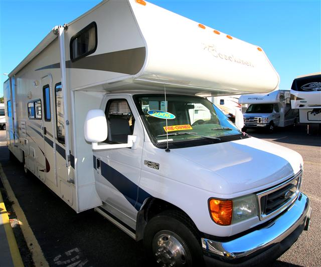 Used 2006 Coachmen Freelander 3100SS Class C For Sale