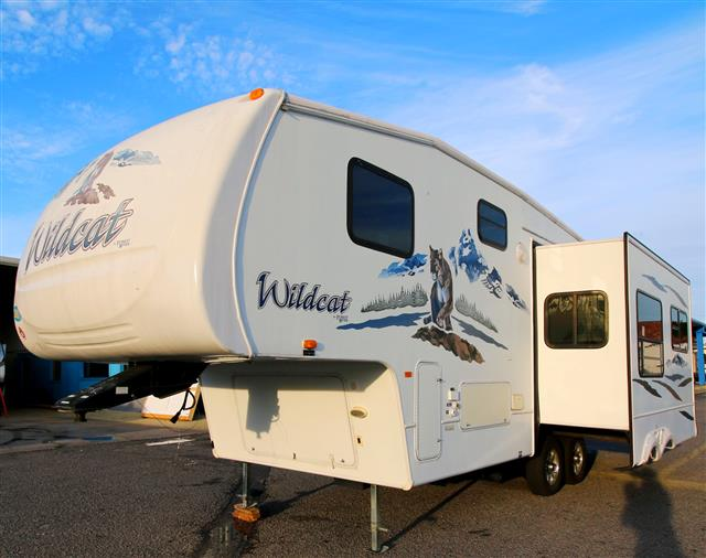 Used 2007 Forest River Wildcat 27RL Fifth Wheel For Sale