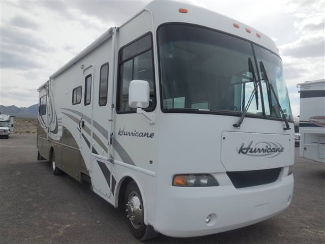 Used 2004 Four Winds Hurricane 32R Class A - Gas For Sale