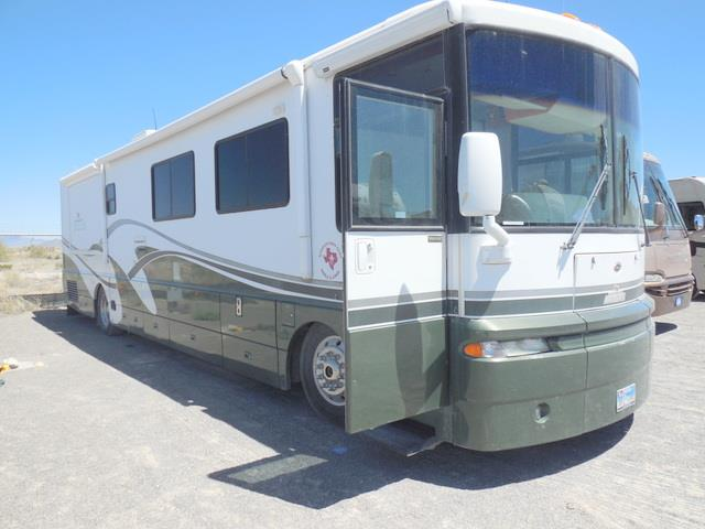 Used 2002 Winnebago ULTRA ADVANTAGE Q40E Class A - Diesel For Sale