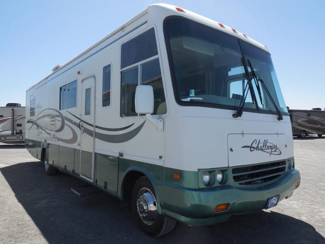 Used 2000 Damon Challenger Challenger M-330-FORD Class A - Gas For Sale