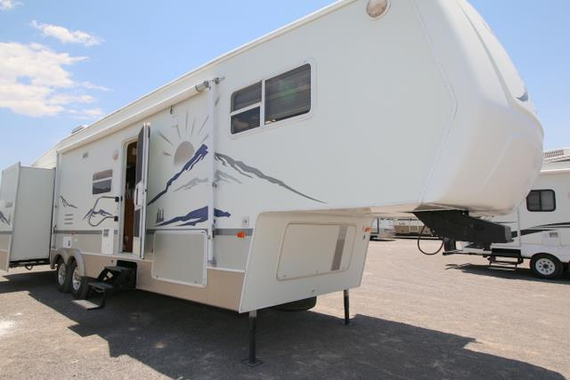 Used 2004 Dutchmen Classic 35RL Fifth Wheel For Sale