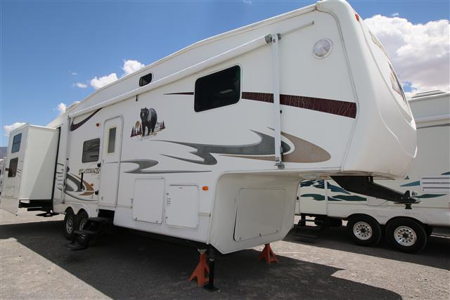 Used 2006 Forest River Silverback 33LBHTS Fifth Wheel For Sale