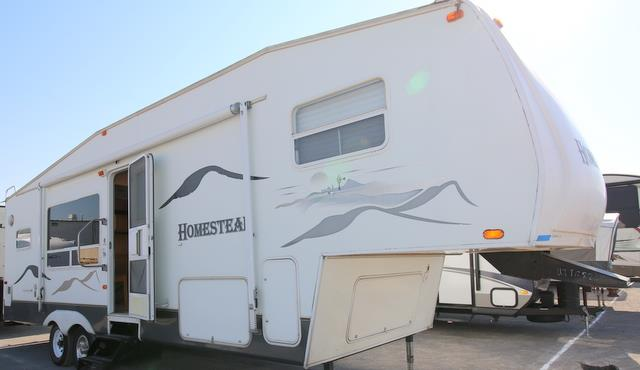 Used 2004 Starcraft Homestead 290RKS Fifth Wheel For Sale
