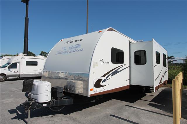 Buy a Used Coachmen Freedom Express in Byron, GA.
