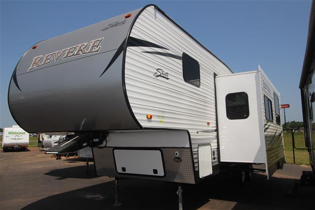 Used 2013 Shasta Revere 27DB Fifth Wheel For Sale
