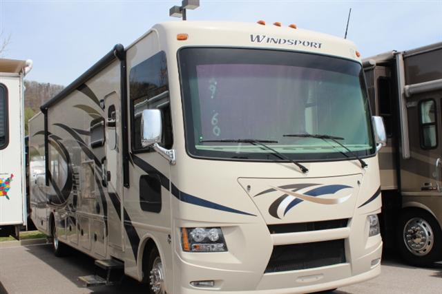 Buy a New THOR MOTOR COACH Windsport in Roanoke, VA.