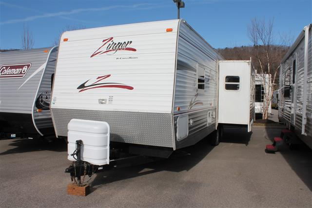 Used 2006 Crossroads Zinger 27RL Travel Trailer For Sale