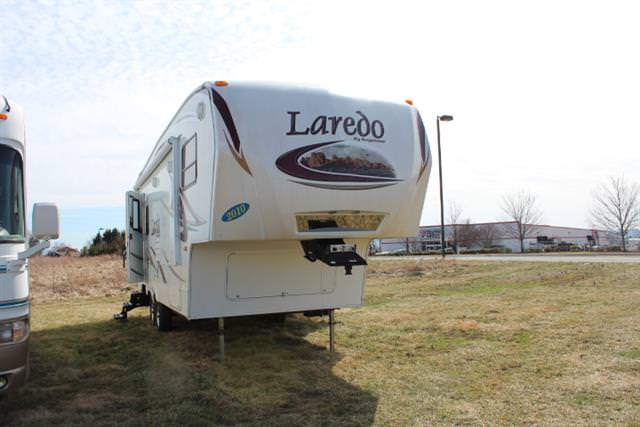 Used 2010 Keystone Laredo 245RL Fifth Wheel For Sale