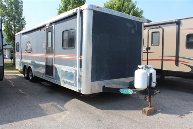 Used 2005 Forest River WORK AND PLAY M-26DB Travel Trailer For Sale