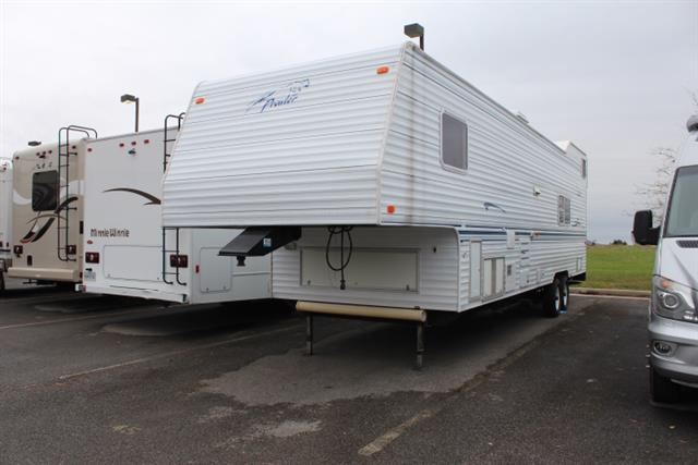 Used 2001 Fleetwood Prowler 28RL Travel Trailer For Sale