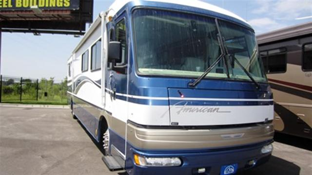 Buy a Used Fleetwood American Tradition in Little Rock, AR.