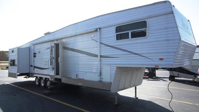 Used 2006 Recreation by Design Luxury 40FB Fifth Wheel For Sale