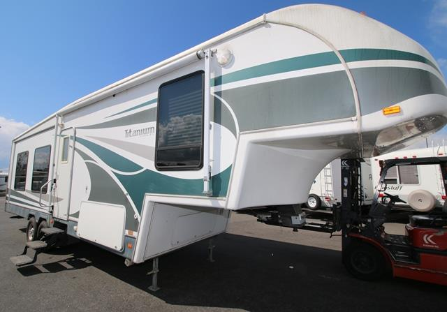 Used 2006 Glendale Titanium 32E37DSD Fifth Wheel For Sale