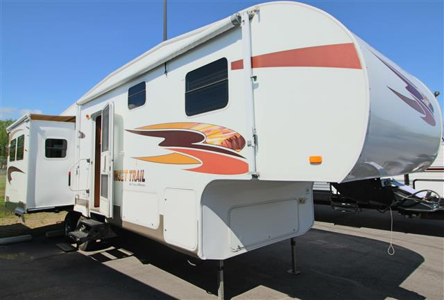 Used 2008 Crossroads Sunset Trail 27RL Fifth Wheel For Sale