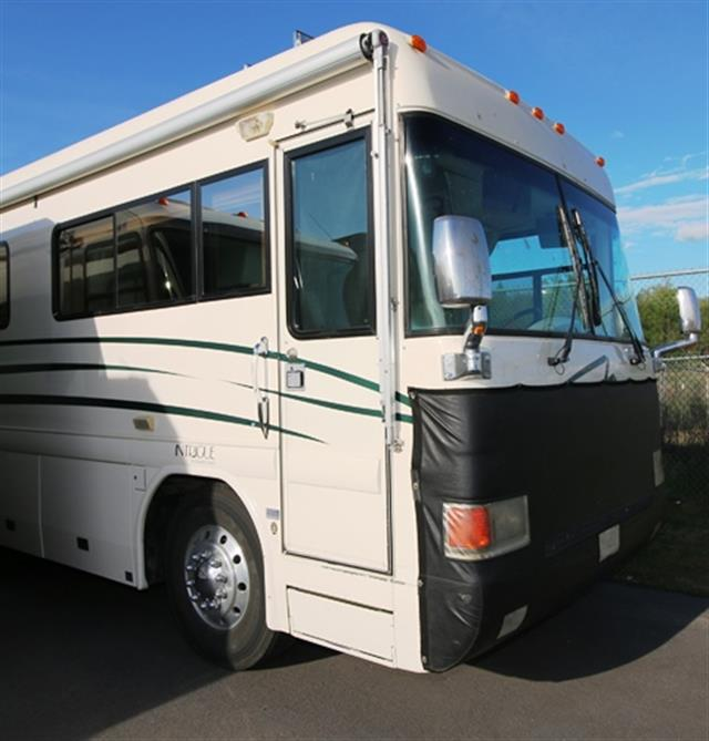 2001 Country Coach Intrigue
