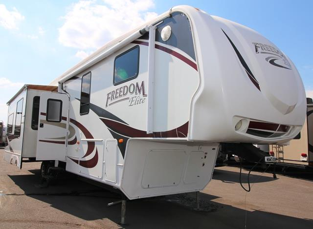 Used 2009 Keystone Freedom Elite M-K 3948 Fifth Wheel For Sale