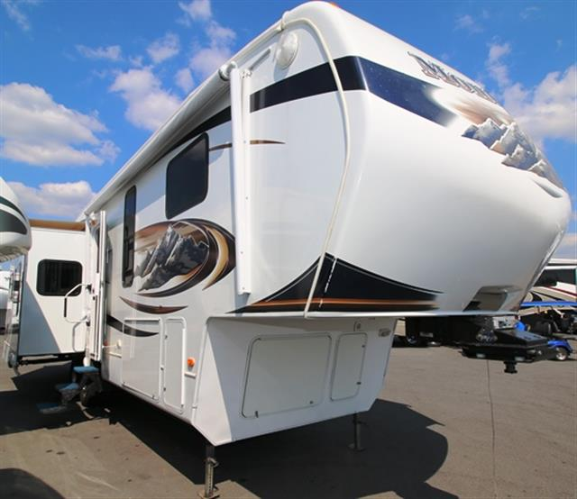 Used 2010 Keystone Montana 3455SA Fifth Wheel For Sale