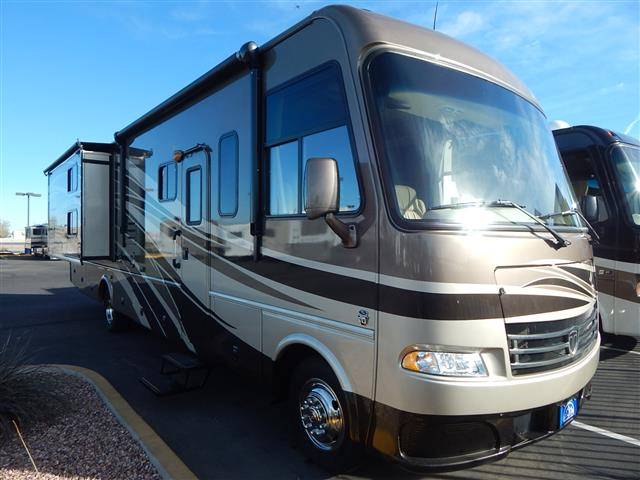 Used 2013 THOR MOTOR COACH DayBreak 34BD Class A - Gas For Sale